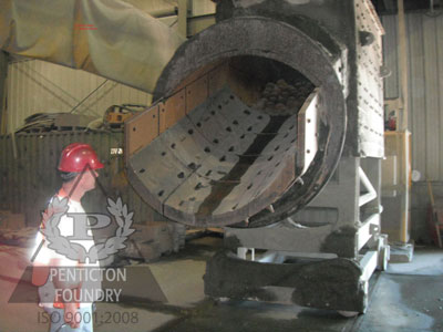 high-chrome-white-iron-feed-chute-liner.jpg